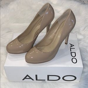 ✨Closet cleaning!!! New Aldo tan Heels✨ size 8
